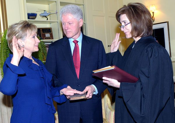 Hillary Clinton sworn in as Secretary of State